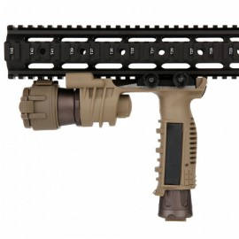 M910A VERTICAL FOREGRIP WEAPON LIGHT NE 03001
